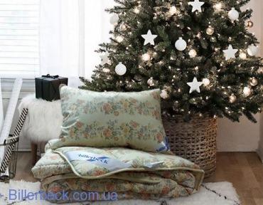 Комплект: Одеяло Венеция стандарт 155х215 + подушка пух Лора 50х70