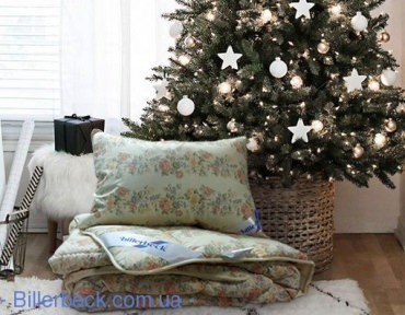Комплект: Одеяло Венеция стандарт 200х220 + подушка пух Лора 50х70